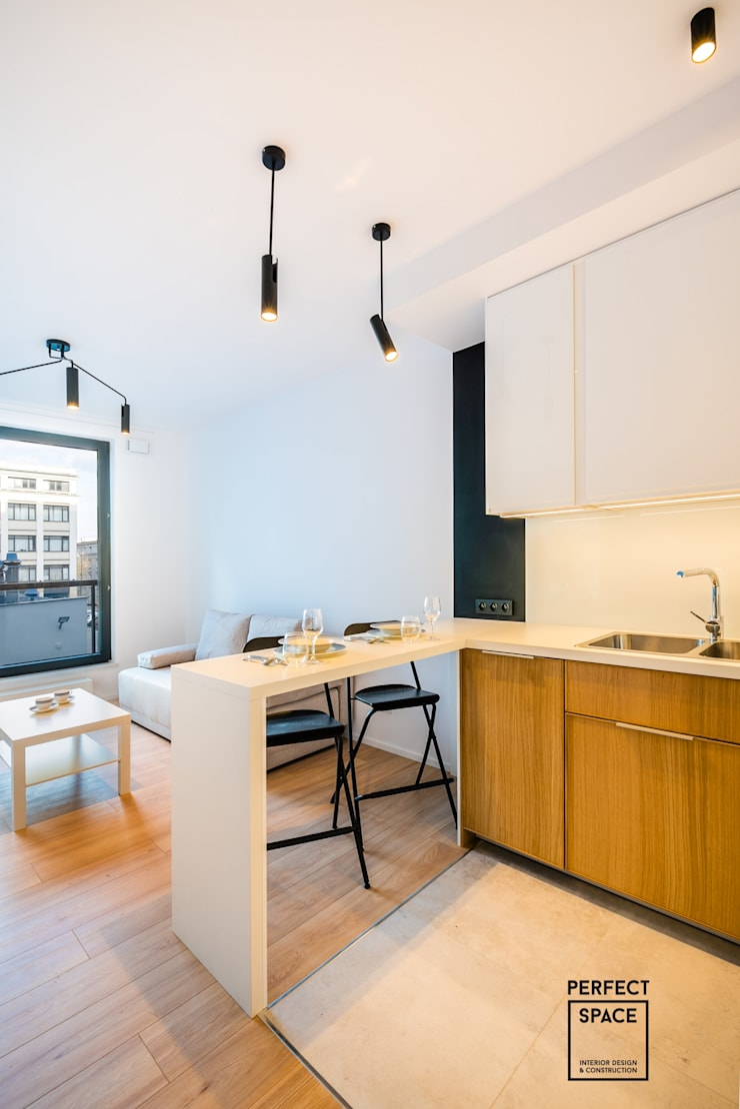 Minimalist kitchen by Perfect Space Minimalist