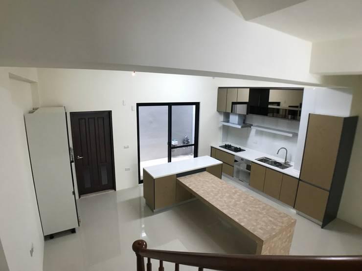 1層廚房:   by houseda