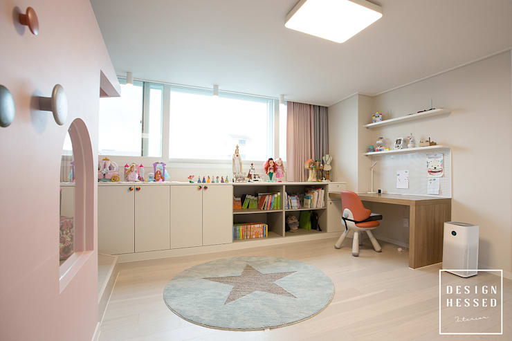 대전 어은동 한빛아파트 51평-침실, 아이방, 욕실: 디자인 헤세드의  아이방,