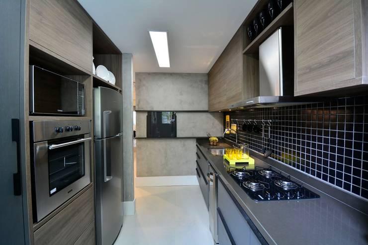 Harmonia nas diferentes texturas das paredes por BG arquitetura | Projetos Comerciais Moderno
