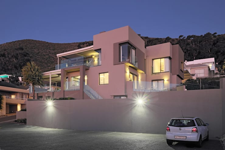 House Drelingcourt Fresnaye:  Villas by KMMA architects, Modern