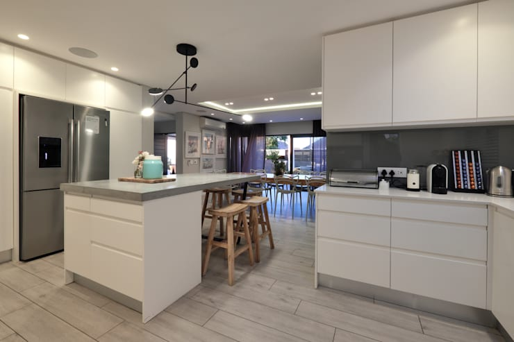 Built-in kitchens by KMMA architects, Modern