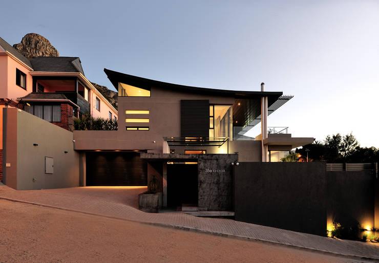 House La Croix Fresnaye:  Villas by KMMA architects