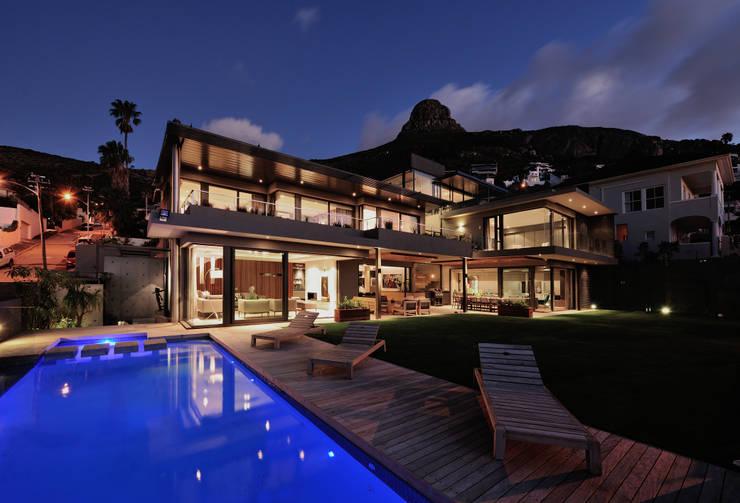 House La Croix Fresnaye:  Houses by KMMA architects