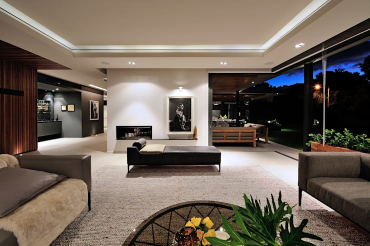 House La Croix Fresnaye:  Living room by KMMA architects, Modern