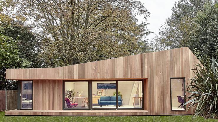 Facciata esterna: Casa prefabbricata  in stile  di Ecospace Italia srl