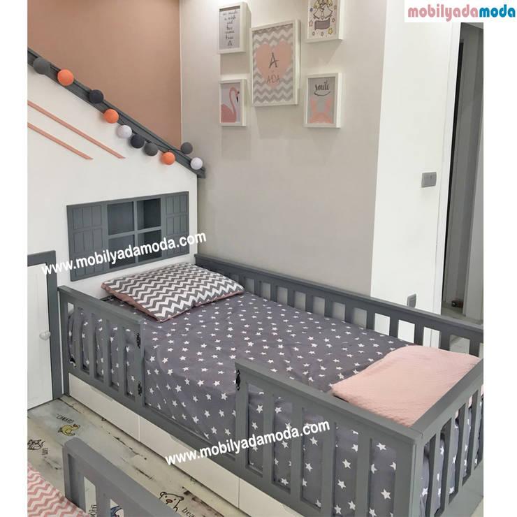MOBİLYADA MODA  – İkiz Bebek Montessori Odası :  tarz Kız çocuk yatak odası, Modern