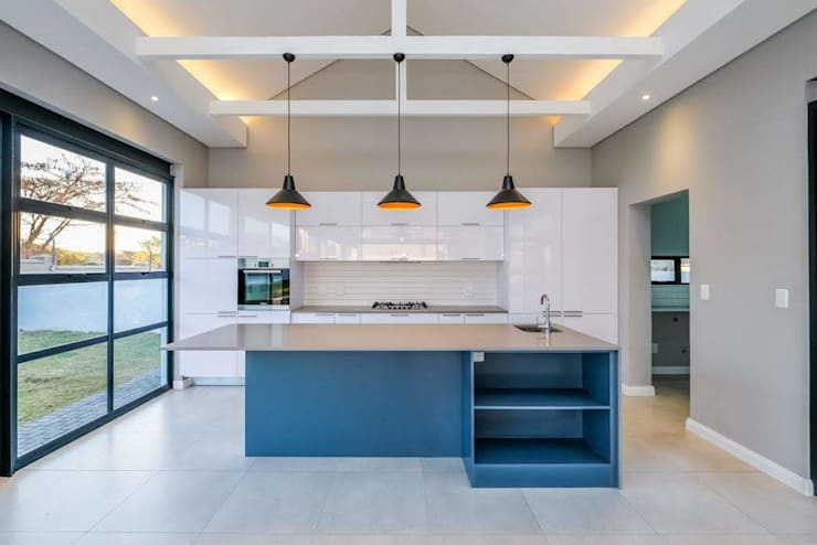Built-in kitchens by Building Project X (Pty) Ltd., Modern