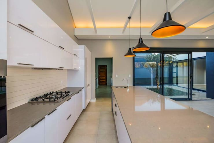 Cocinas equipadas de estilo  por Building Project X (Pty) Ltd., Moderno