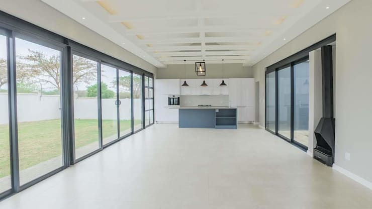 Livings de estilo moderno de Building Project X (Pty) Ltd. Moderno