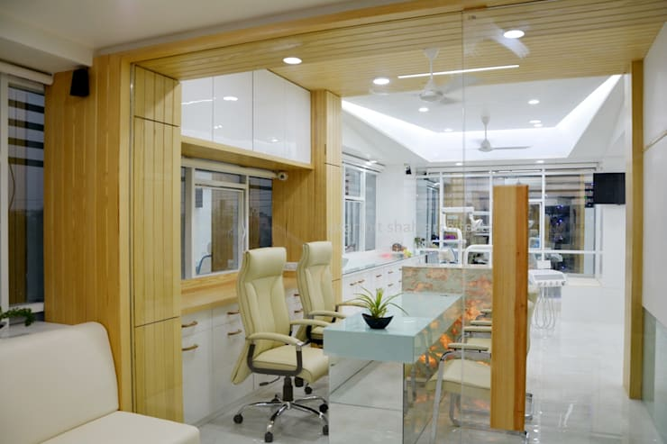 Study/office by prarthit shah architects