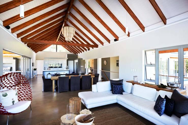 House in Simbithi, Ballito:  Living room by John Smillie Architects, Modern
