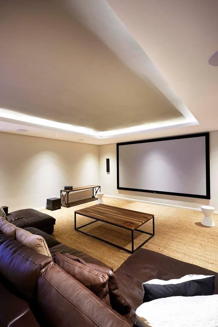 House in Simbithi, Ballito:  Media room by John Smillie Architects, Modern