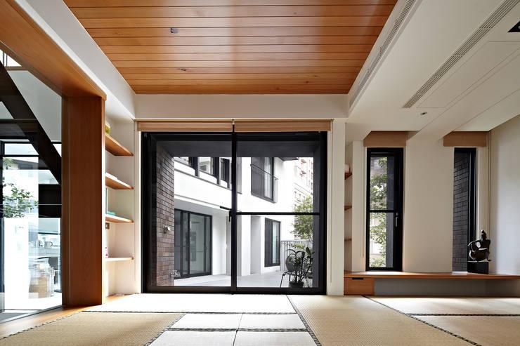 凸透設計事務所:  房子 by 凸透設計-光庭建設,