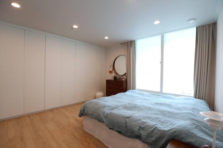 반포리체 39py 아파트: 트리플디자인의  침실,