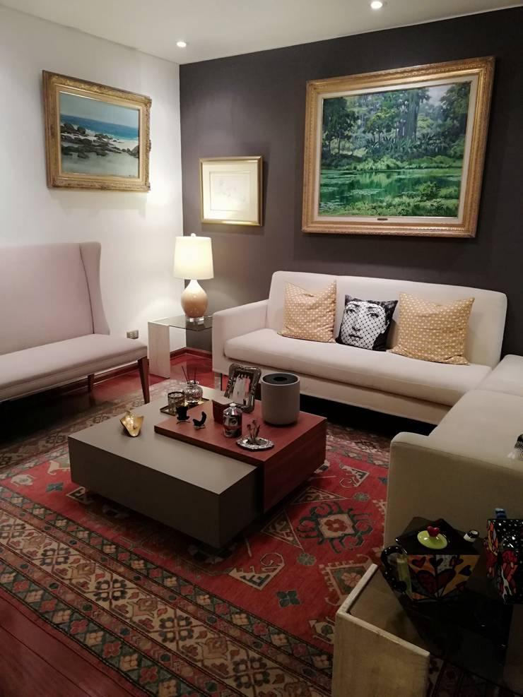 Departamento en Chacarilla: Salas/Recibidores de estilo  por Alicia Ibáñez Interior Design