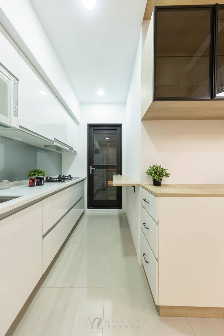 廚房:  廚房 by 元作空間設計,