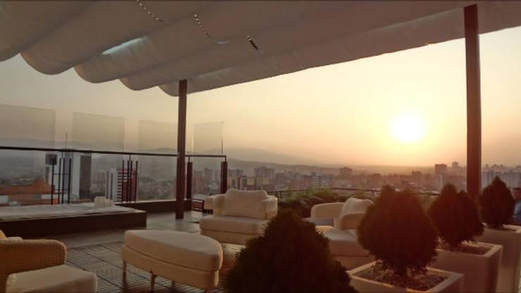Vista Terraza: Terrazas  de estilo  por AUTANA arquitectos