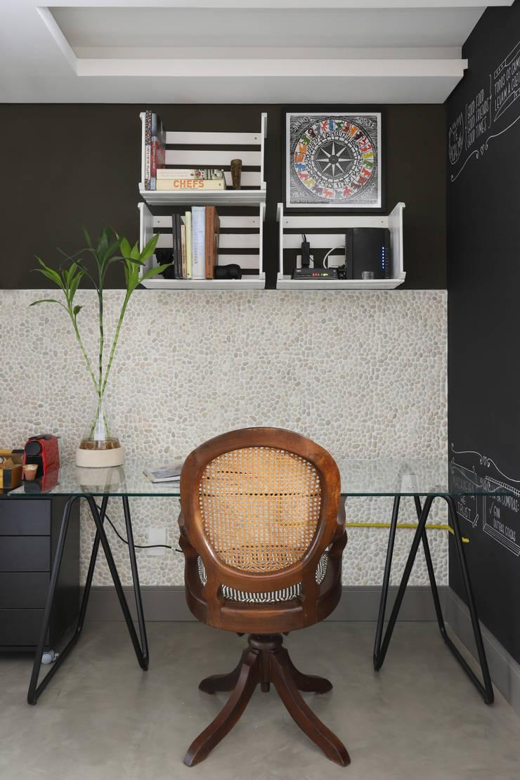 Arbeitszimmer von INSIDE ARQUITETURA E DESIGN