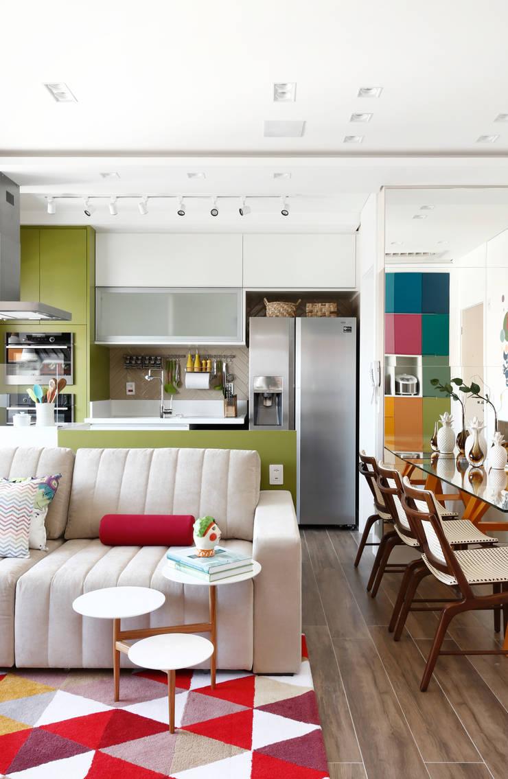 Wohnzimmer von INSIDE ARQUITETURA E DESIGN