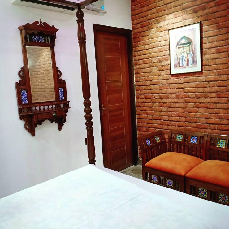 ห้องนอนขนาดเล็ก โดย Maayish Architects, ชนบทฝรั่ง