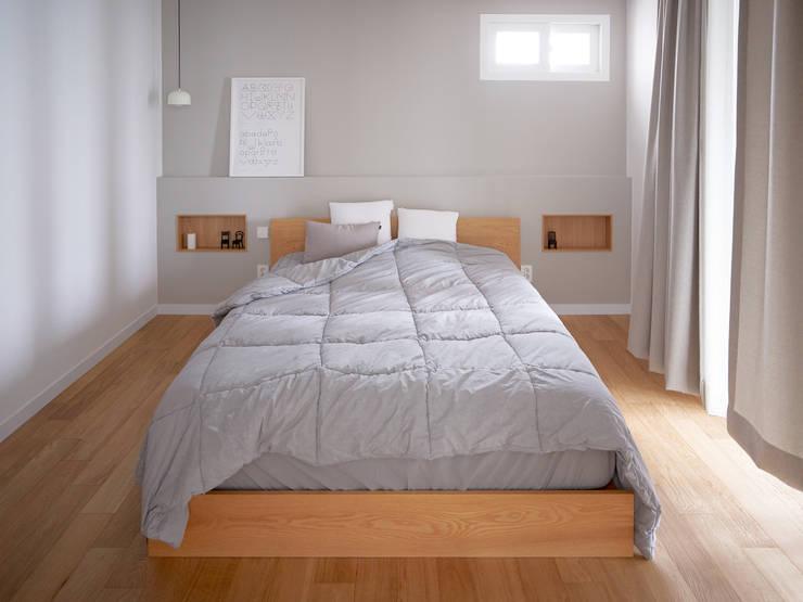 침실: 메리래빗디자인의  침실,