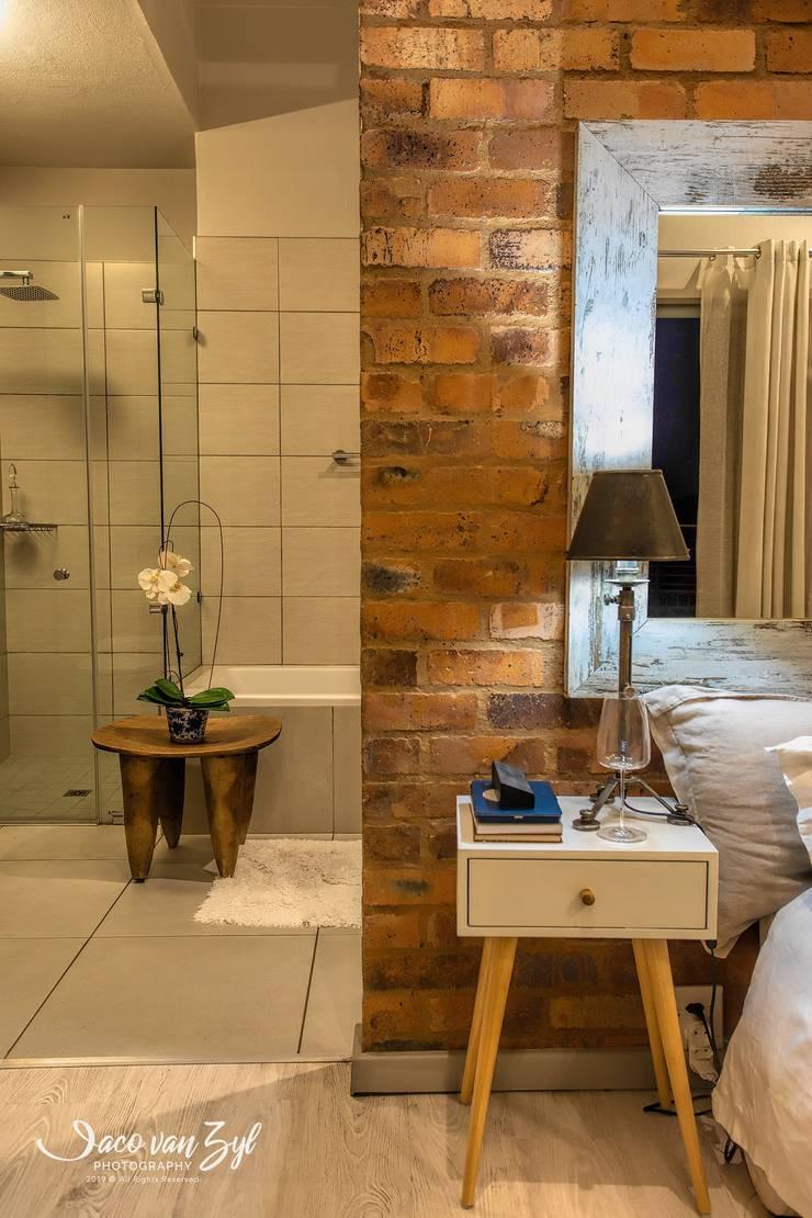 House JP—Pretoria:  Bathroom by Jaco van Zyl Photography,