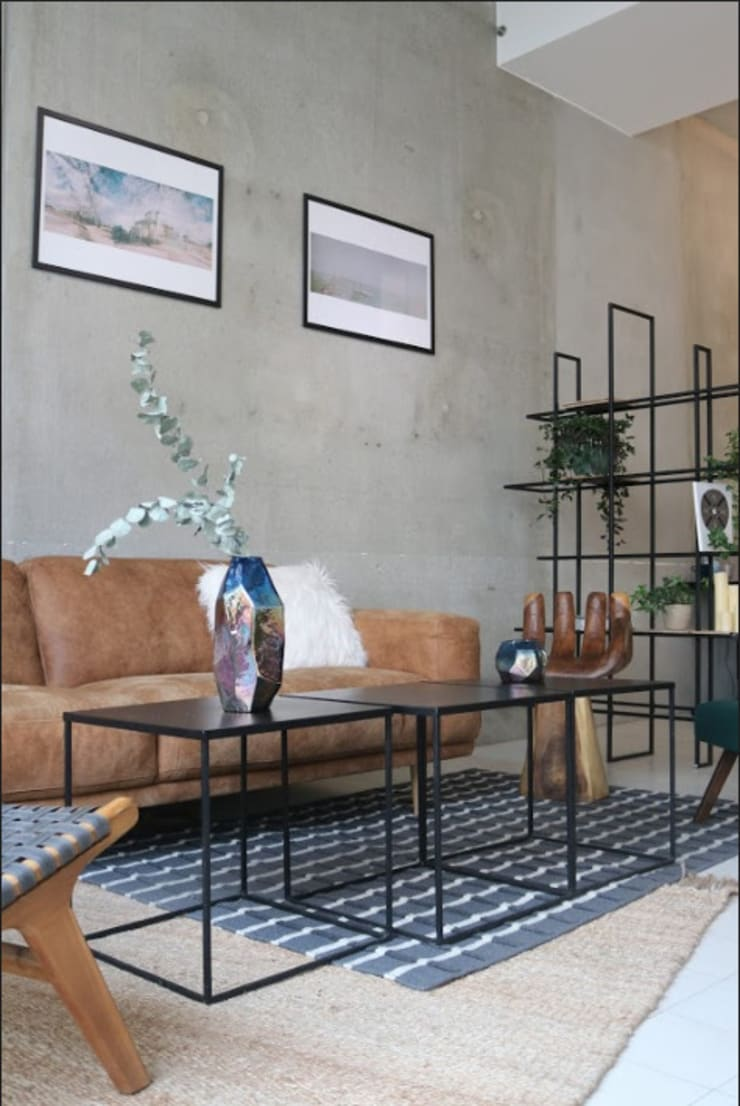 brown leather couch Moderne Geschäftsräume & Stores von Ivy's Design - Interior Designer aus Berlin Modern Holz Holznachbildung