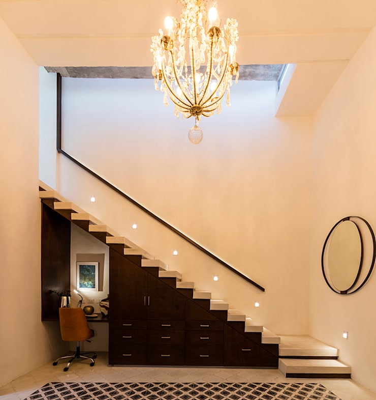 Escaleras de estilo  por Taller Estilo Arquitectura, Moderno Concreto