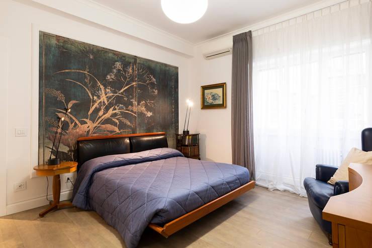 APPARTAMENTO DAVILA: Camera da letto in stile  di a2 Studio  Borgia - Romagnolo architetti, Moderno