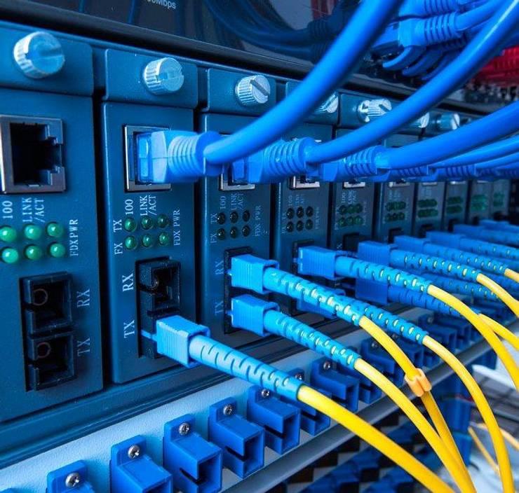 Sistema de Telecomunicaciones:  de estilo  por Ingeniería e Integraciones Tecnológicas