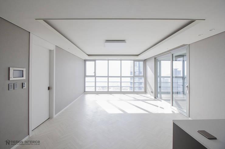 동탄인테리어 메타폴리스 40평대 주상복합 아파트인테리어 by.n디자인인테리어 : N디자인 인테리어의  거실,