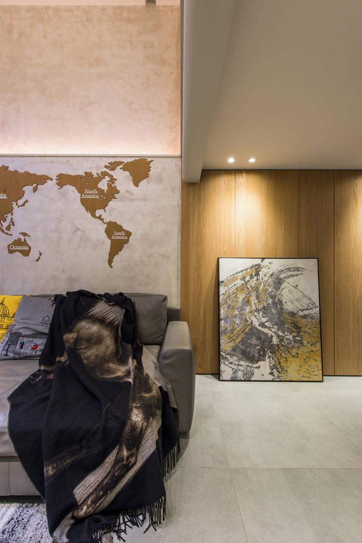 Corridor and hallway by 竹村空間 Zhucun Design, Modern