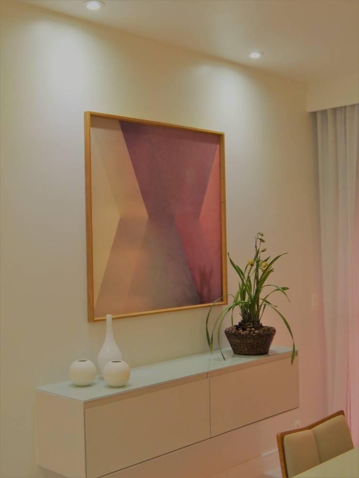 Leveza Salas de jantar modernas por Izabella Biancardine Interiores Moderno