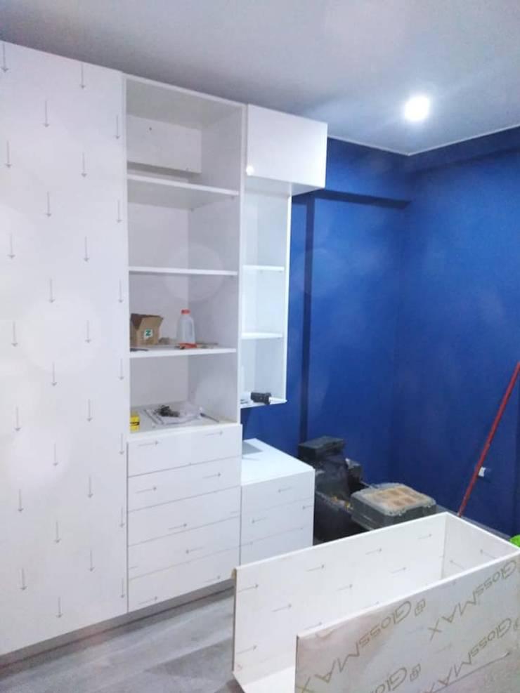 dormitorio de joven:  de estilo  por Arqmania