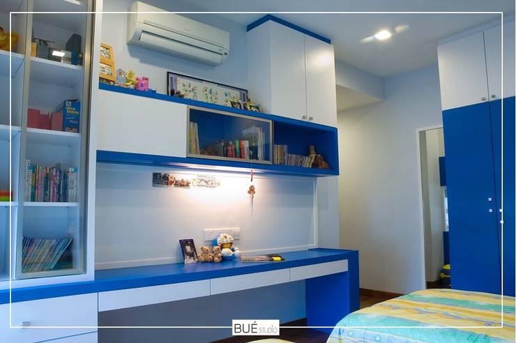 Bedroom by Bue Studio Co.,Ltd., Modern