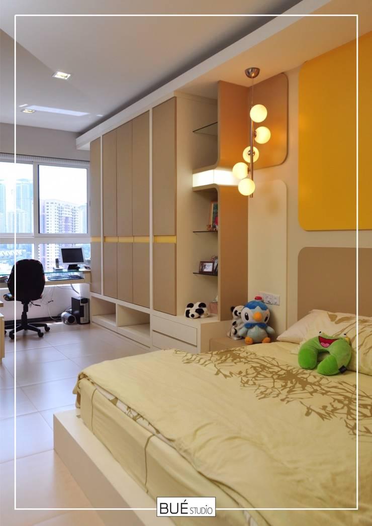 Small bedroom by Bue Studio Co.,Ltd., Modern