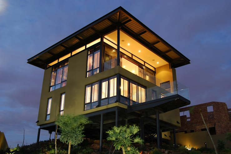 Hillside Haven—Loft House Bassonia:  Multi-Family house by CKW Lifestyle Associates PTY Ltd,
