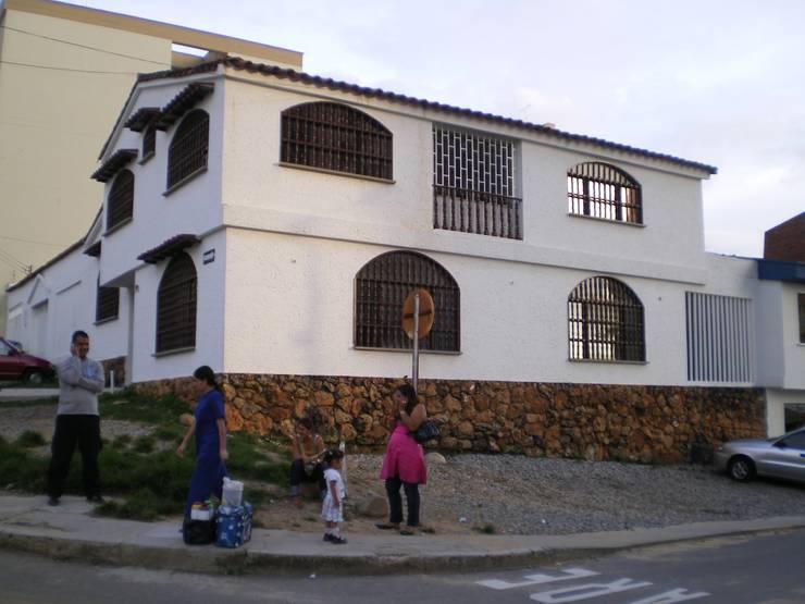 OBRA COFEINSA ANTES: Casas de estilo  por ME&CLA Ingeniería y Arquitectura