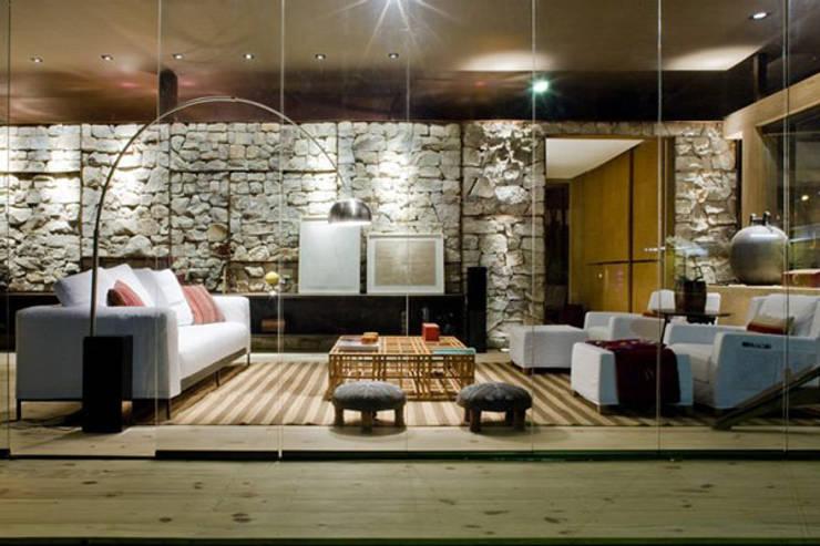 de estilo  por erenyan mimarlık proje&tasarım, Minimalista Cuarzo