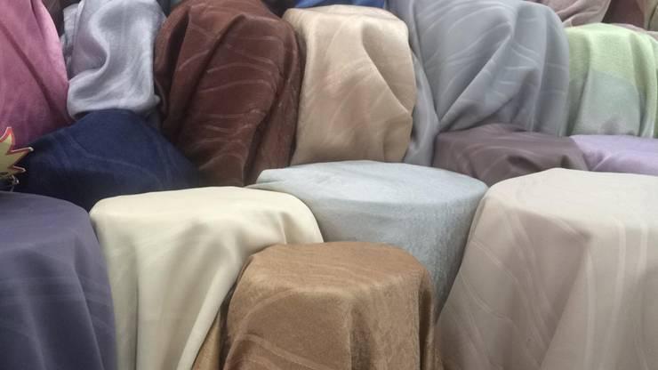 ผ้าม่านกันUV พื้นผิวมี Texture ทอลายในตัว เนื้อเงาและด้าน หน้ากว้าง 2.80 เมตร ดูมีมิติ:  ตกแต่งภายใน by Fabric Plus Co Ltd