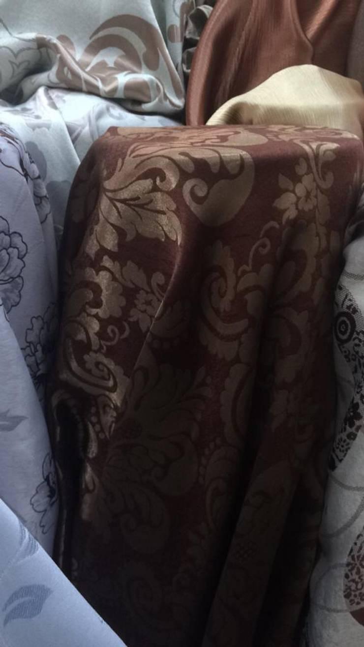 ผ้าม่านกันUV มีสี Two Tone สามารถใช้ได้สองหน้า เนื้อเงาและด้าน หน้ากว้าง 2.80 เมตร ดูมีมิติ:  ตกแต่งภายใน by Fabric Plus Co Ltd