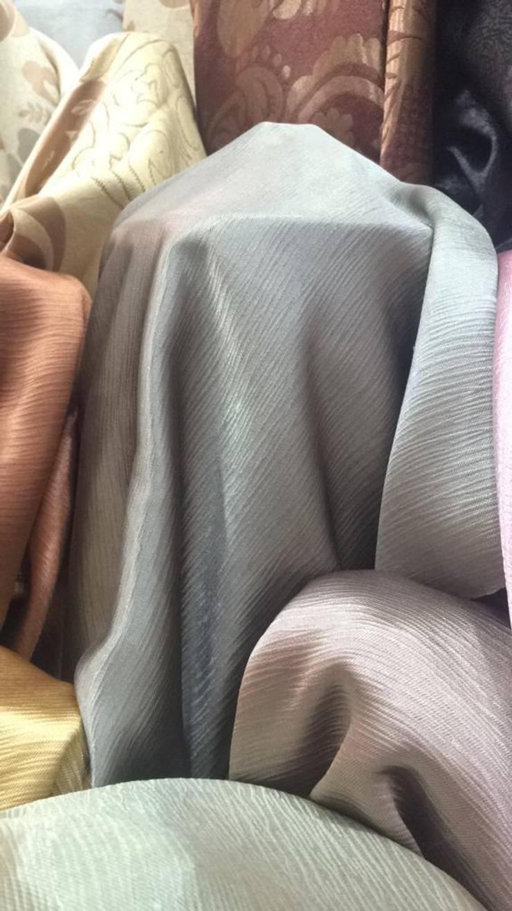 ผ้าม่านกันUV พื้นผิวมี Texture ทอลายในตัว เนื้อเงา หน้ากว้าง 2.80 เมตร ดูมีมิติ:  ตกแต่งภายใน by Fabric Plus Co Ltd