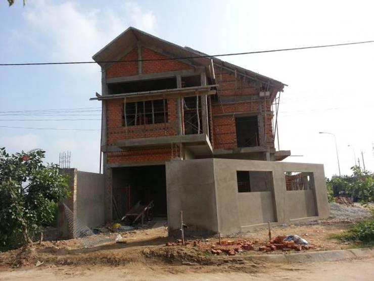 Công đoạn xây thô nhà :  Biệt thự by Công ty TNHH Thiết Kế Xây Dựng Song Gia Phát