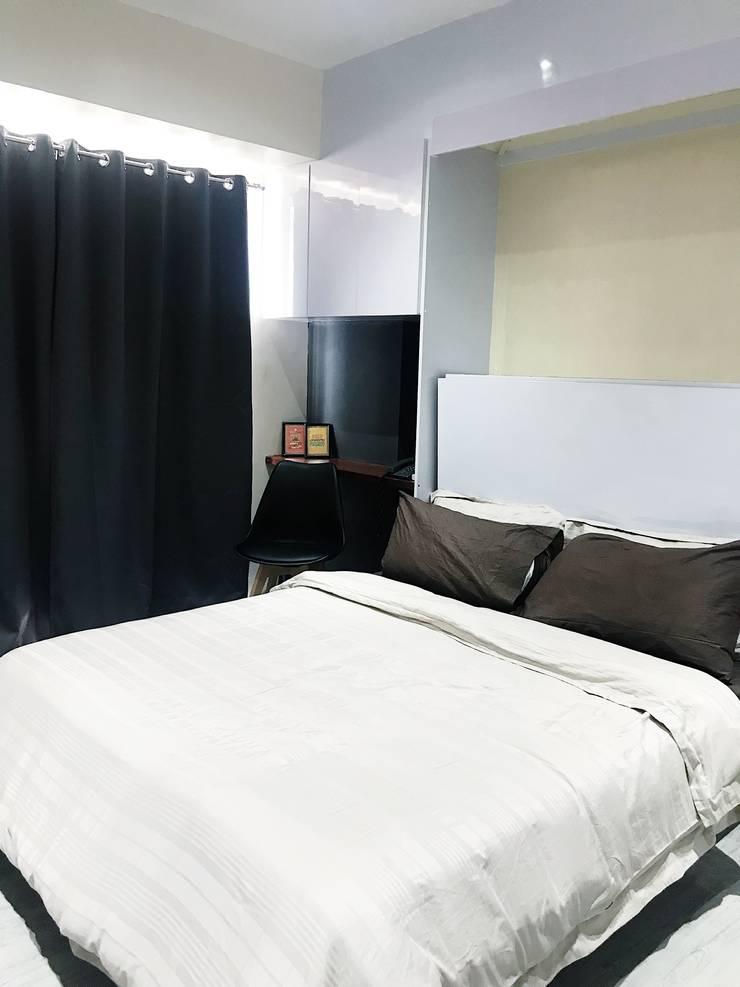 27.12 Residence:  Bedroom by Plus Zero Two Design Studio