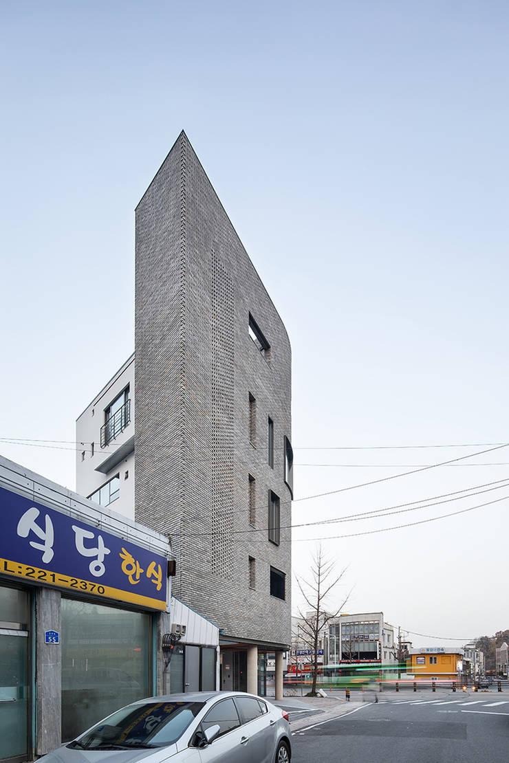 용두동 근린생활시설: 바이제로의  주택,