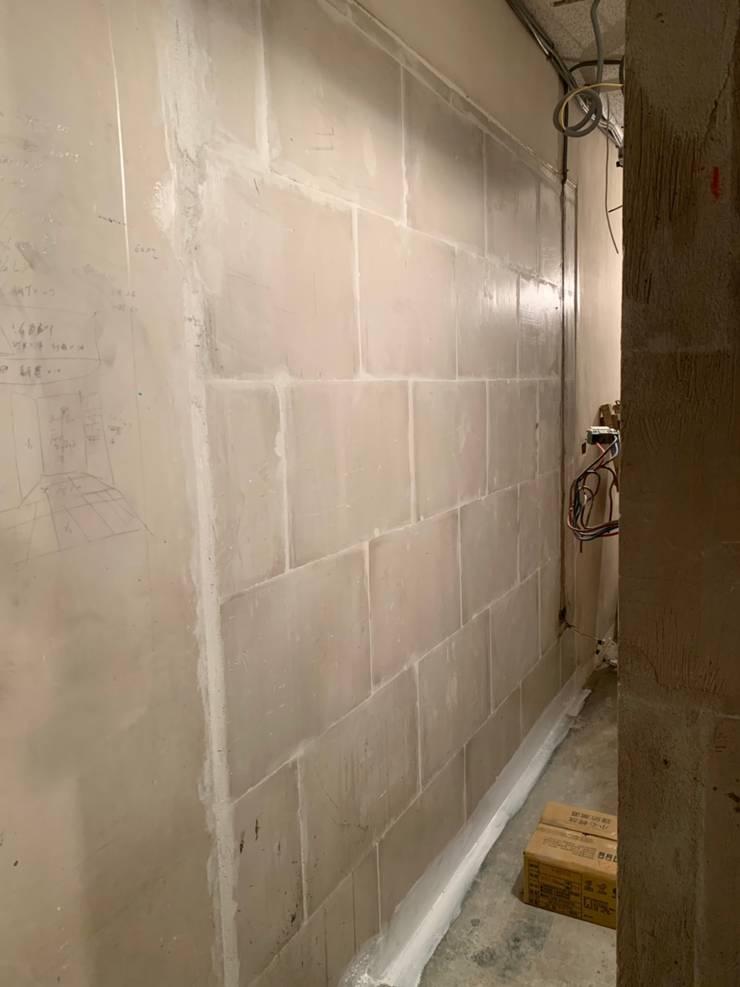 石膏磚之套房施工:   by 寶瓏室內裝修有限公司,