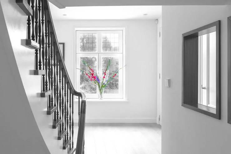 Corridor & hallway by Dineke Dijk Architecten