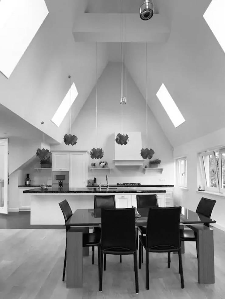 Dining room by Dineke Dijk Architecten