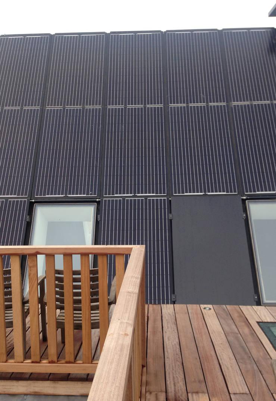 Roof by Dineke Dijk Architecten